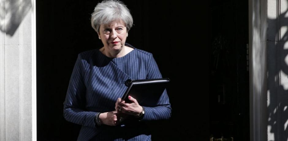 تيريزا ماى تفاجئ البريطانيين بالدعوة لانتخابات مبكرة