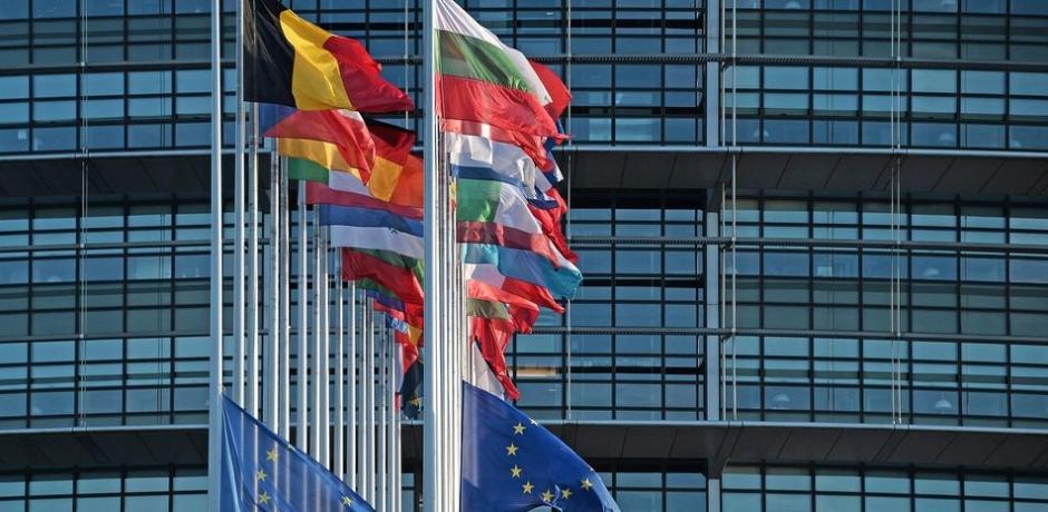 اتفاق على استئناف خطة إنقاذ اليونان بمشاركة صندوق النقد الدولي