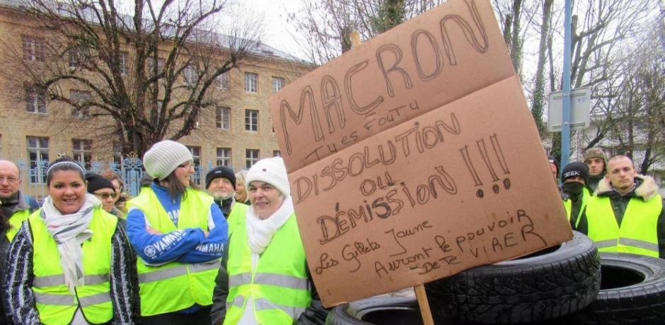 فرنسا : ماكرون و الطاقة و  السترات الصفراء