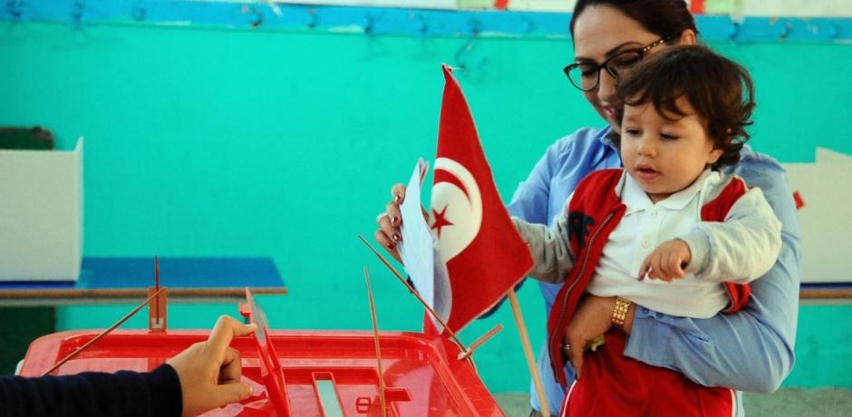 Tunisie: le poids de l'économie dans le scrutin présidentiel.