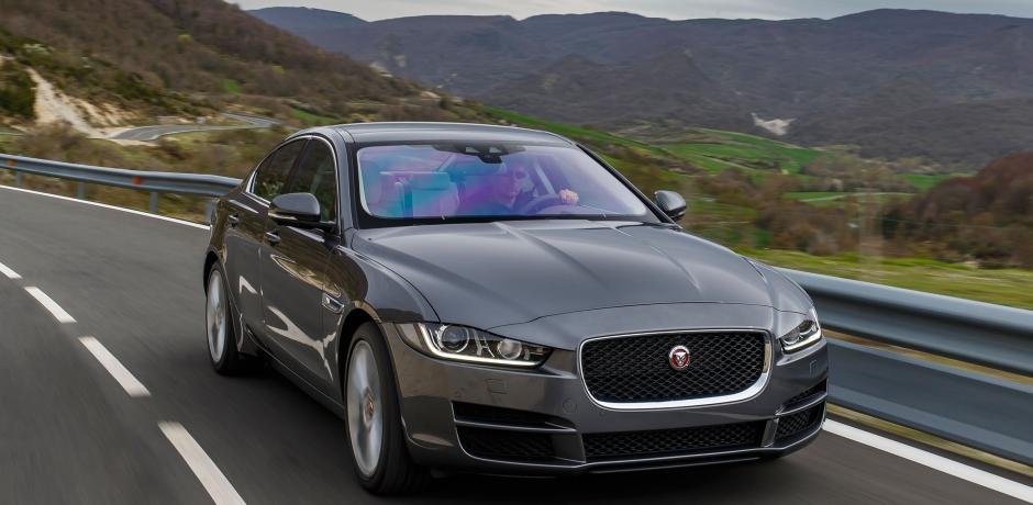 Jaguar XE, un félin modernisé