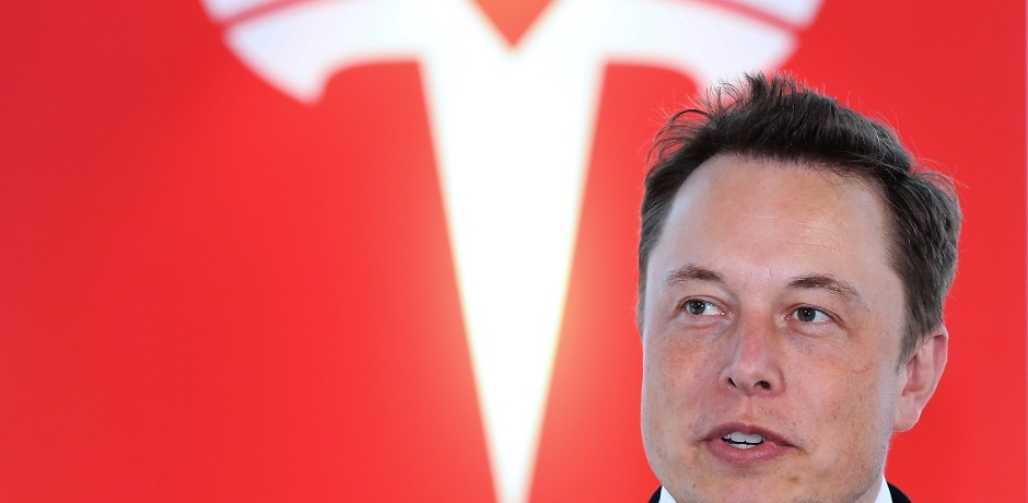 Tesla en zone de turbulences