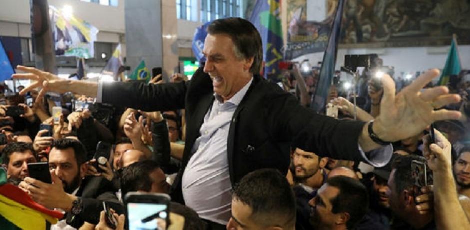 Brésil: Opération séduction pour l'extrême droite